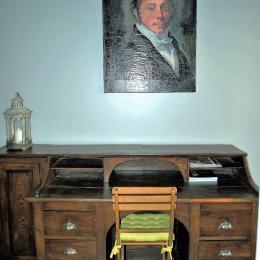 Espace bureau et portrait du Baron - Manufacture Royale de Bains - Vosges - Location de vacances - Bains-les-Bains