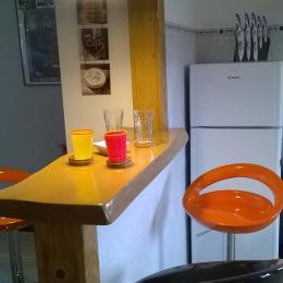 table et chaises de cuisine - Location de vacances - Le Syndicat