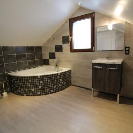 Salle de bains étage - Location de vacances - Le Tholy