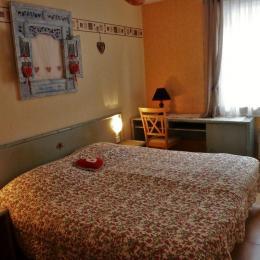 Chambre avec lits jumeaux (2x90) - Location de vacances - Gerbépal