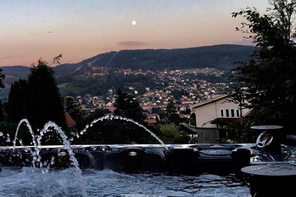 La vue depuis le jacuzzi - Location de vacances - Gérardmer