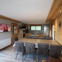 Espace salle à manger et cuisine - Location de vacances - La Bresse