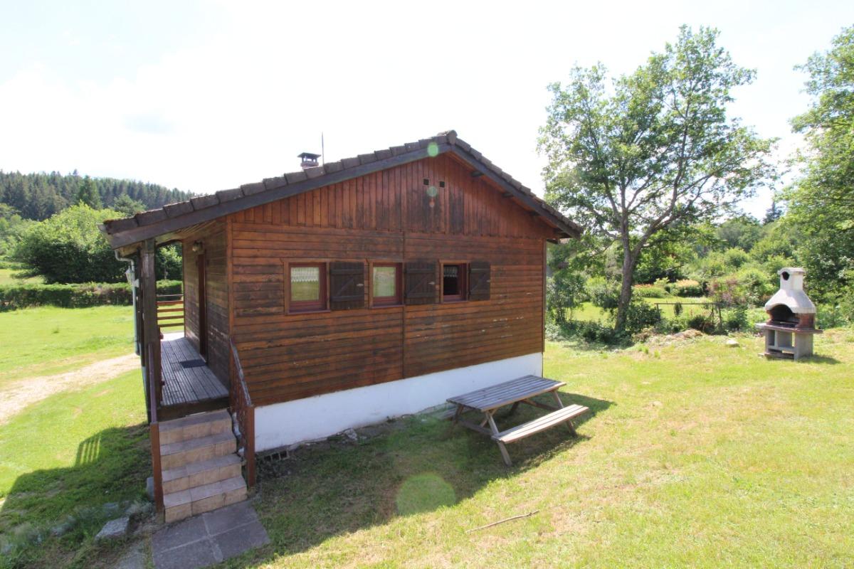 Extérieur, salon de jardin, barbecue - Location de vacances - Barbey-Seroux