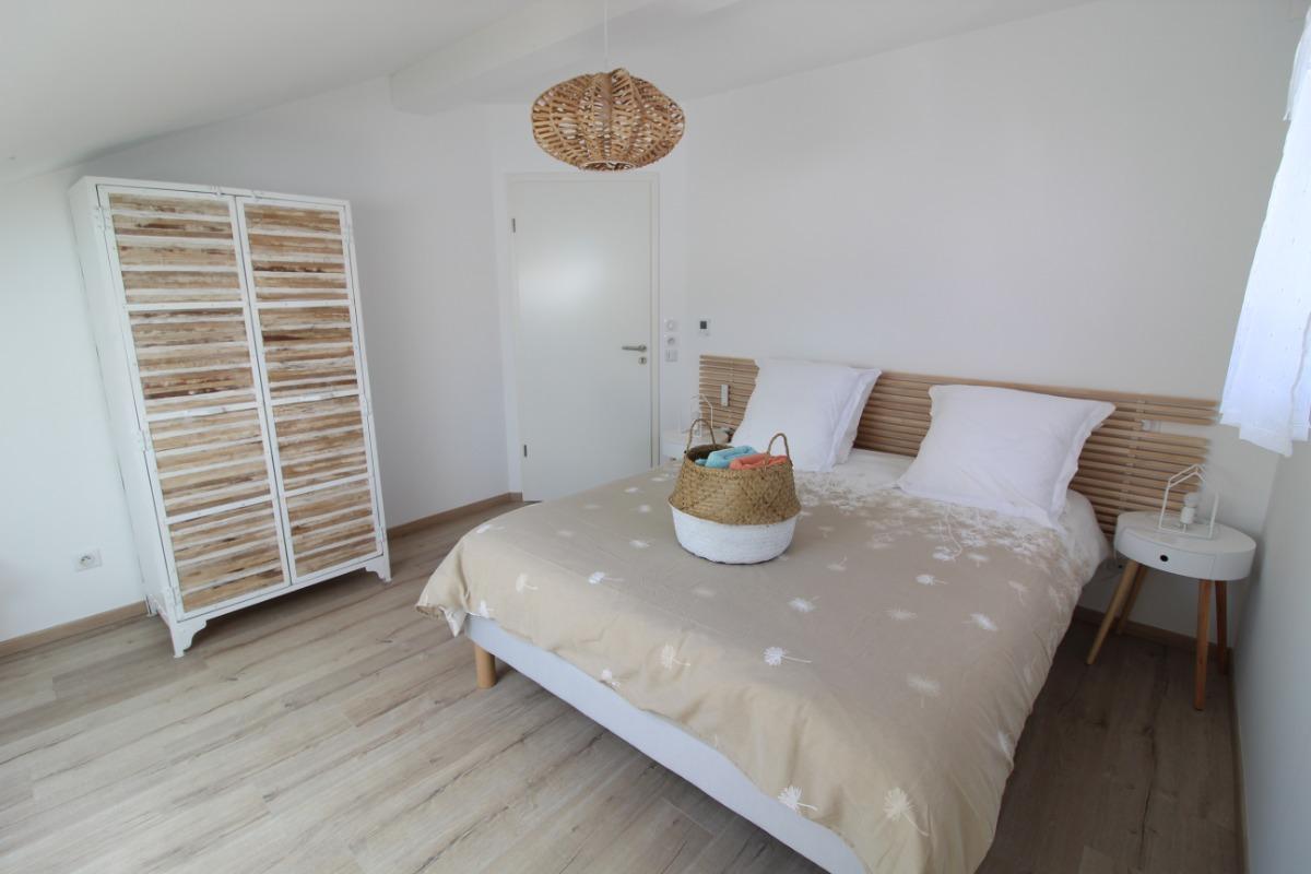 Chambre Blanche Et Bois apartment le blanc bois in gérardmer in modern residence