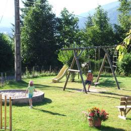 Aire de jeux pour enfants - Location de vacances - Dommartin-lès-Remiremont