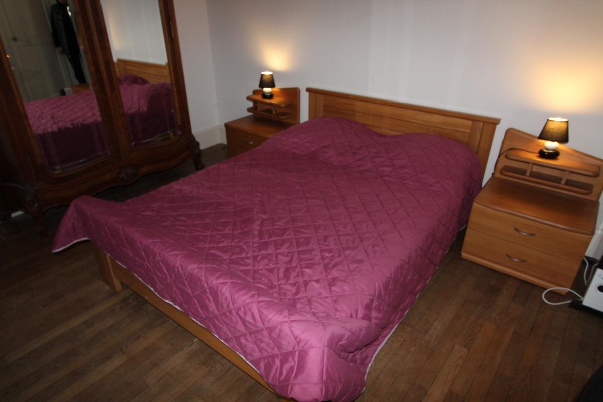 Chambre lit double - Location de vacances - Bains-les-Bains