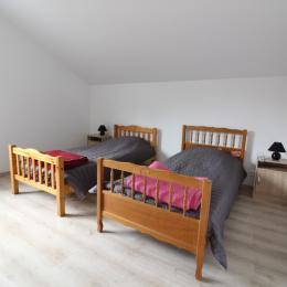Chambre étage 3 pers - Location de vacances - Saulcy-sur-Meurthe