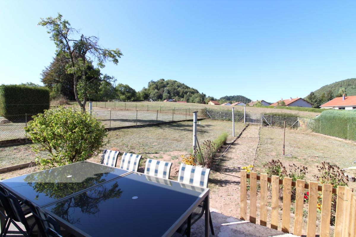 Vue depuis la terrasse - Location de vacances - Bruyères