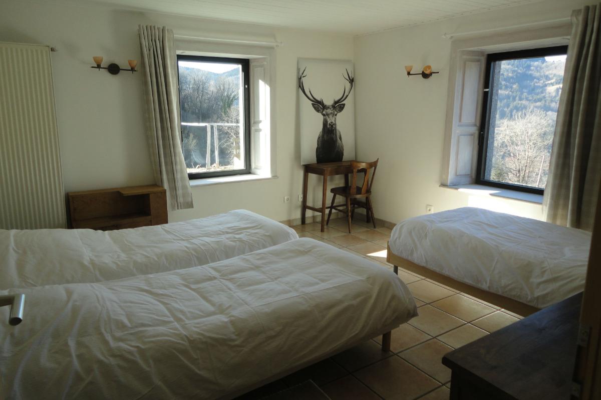 seconde chambre pouvant être combinée pour former une suite - Chambre d'hôtes - Cornimont