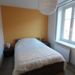Chambre 1 lit double - Location de vacances - Gérardmer