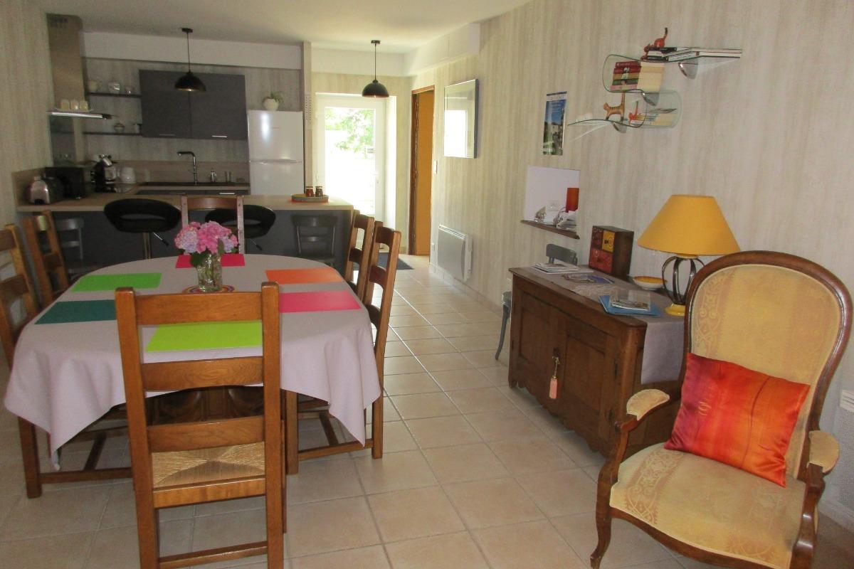 salle à manger salon de 40 m2 - Location de vacances - Dompaire