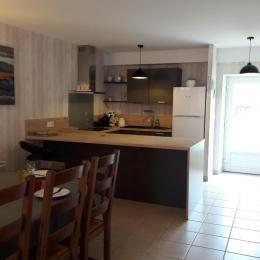 chambre avec 1 grand lit de 160x200 - Location de vacances - Dompaire