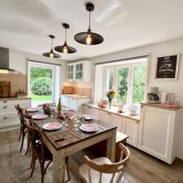 Grand Salon Télévision - Au Gite des Mazes - Location de vacances - Ban-sur-Meurthe-Clefcy