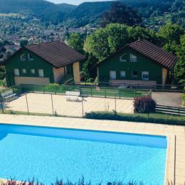 La piscine du domaine ouverte de mi juin à mi septembre - Location de vacances - Gérardmer