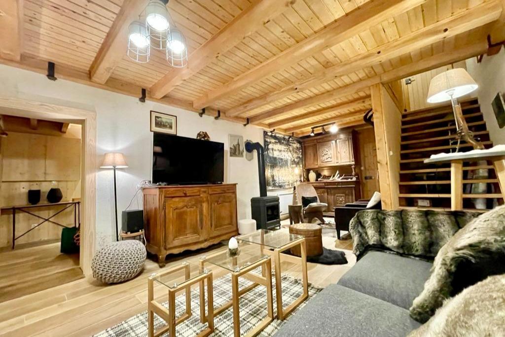 Salon cheminée télévision - Location de vacances - Le Valtin