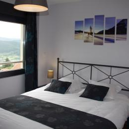 Chambre lit 160cm avec vue sur le lac - Location de vacances - Gérardmer