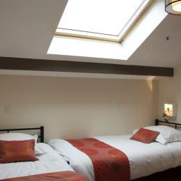chambre mezzanine avec 2 lits de 90 cm - Location de vacances - Gérardmer