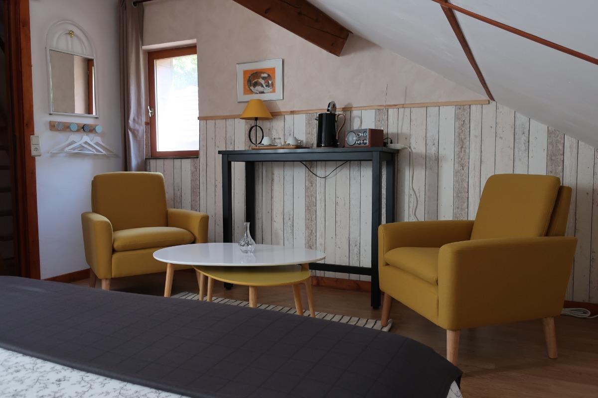 Espace salon Chambre Hohneck Domaine Le Chêne Vosges - Chambre d'hôtes - Ban-sur-Meurthe-Clefcy