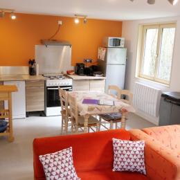 Chambre lit double - Gîte Myrtille - Location de vacances - Taintrux