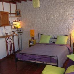 Grand lit en 160 cm - Chambre d'hôtes - Aillant-sur-Tholon