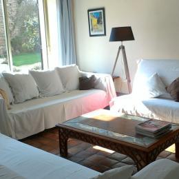 espace salle à manger et cuisine - Location de vacances - Brosses