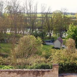 Vue sur l'Yonne et le Canal du Nivernais depuis les chambres d'hôtes Les Coûtas - Chambre d'hôtes - Mailly-la-Ville