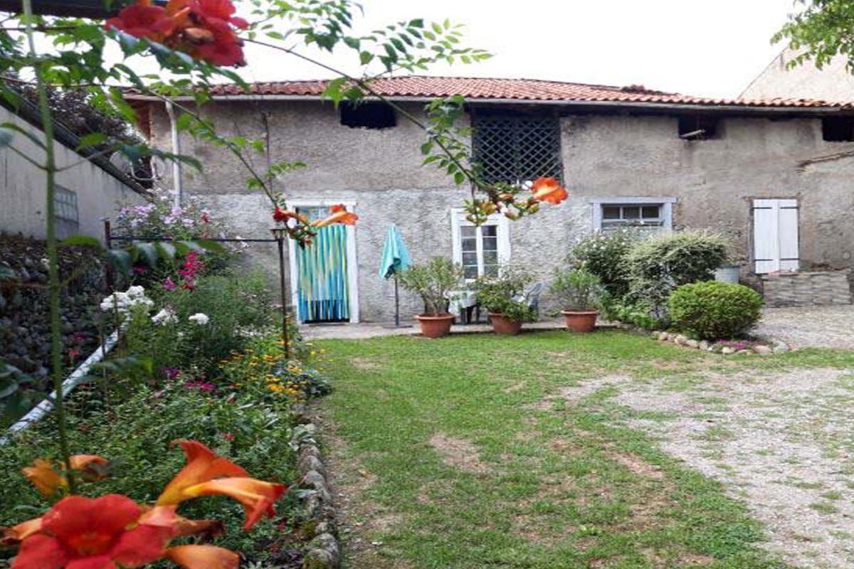 cuisine ouverte  - Location de vacances - Lorp-Sentaraille