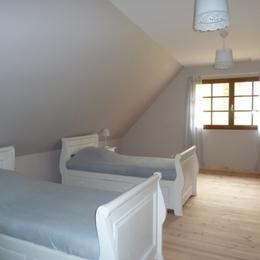 Grande chambre étage - Location de vacances - Arrien-en-Bethmale