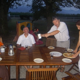 table d'hôtes à l'extérieur - Chambre d'hôtes - Lorp-Sentaraille