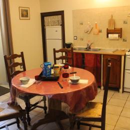 séjour/cuisine - Location de vacances - Château-Verdun