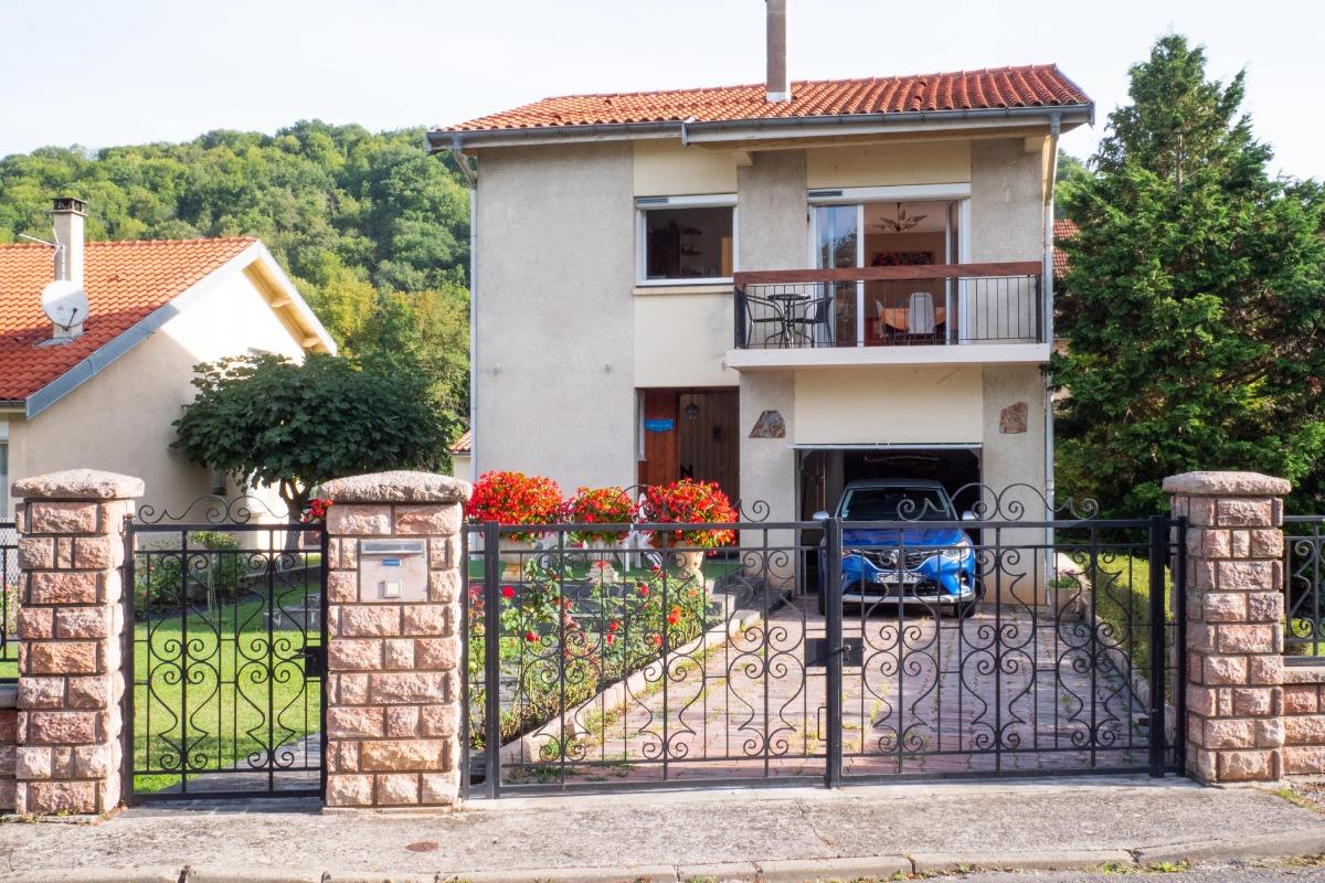 Extérieur villa coté gauche - Location de vacances - Saint-Girons