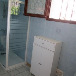 salle d,eau - Location de vacances - Saint-Jean-de-Verges