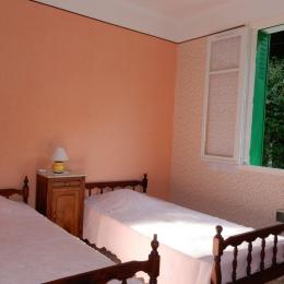Chambre 2 lits 90 - Location de vacances - Le Mas-d'Azil