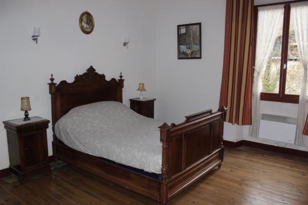 chambre - Location de vacances - Château-Verdun