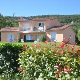 Aux 4 saisons Ariège Façade sud - Location de vacances - Tabre