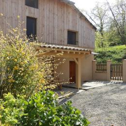 Façade entrée du gîte - Location de vacances - Montégut-Plantaurel