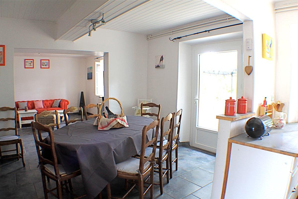 Cuisine / salon - Location de vacances - Tourtrol