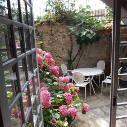 Petite cour intérieure - Location de vacances - Saint-Lizier