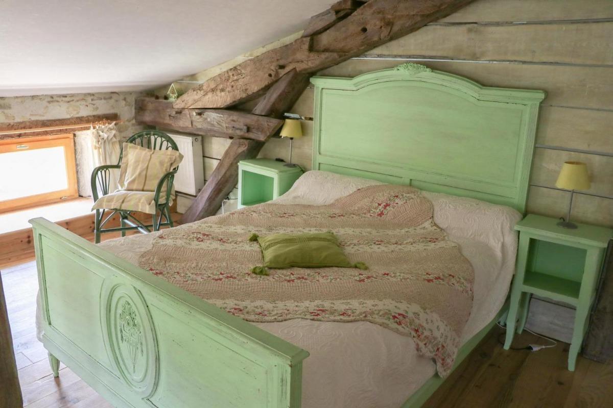 Lit double chambre Le Jardin - Chambre d'hôtes - Rieucros