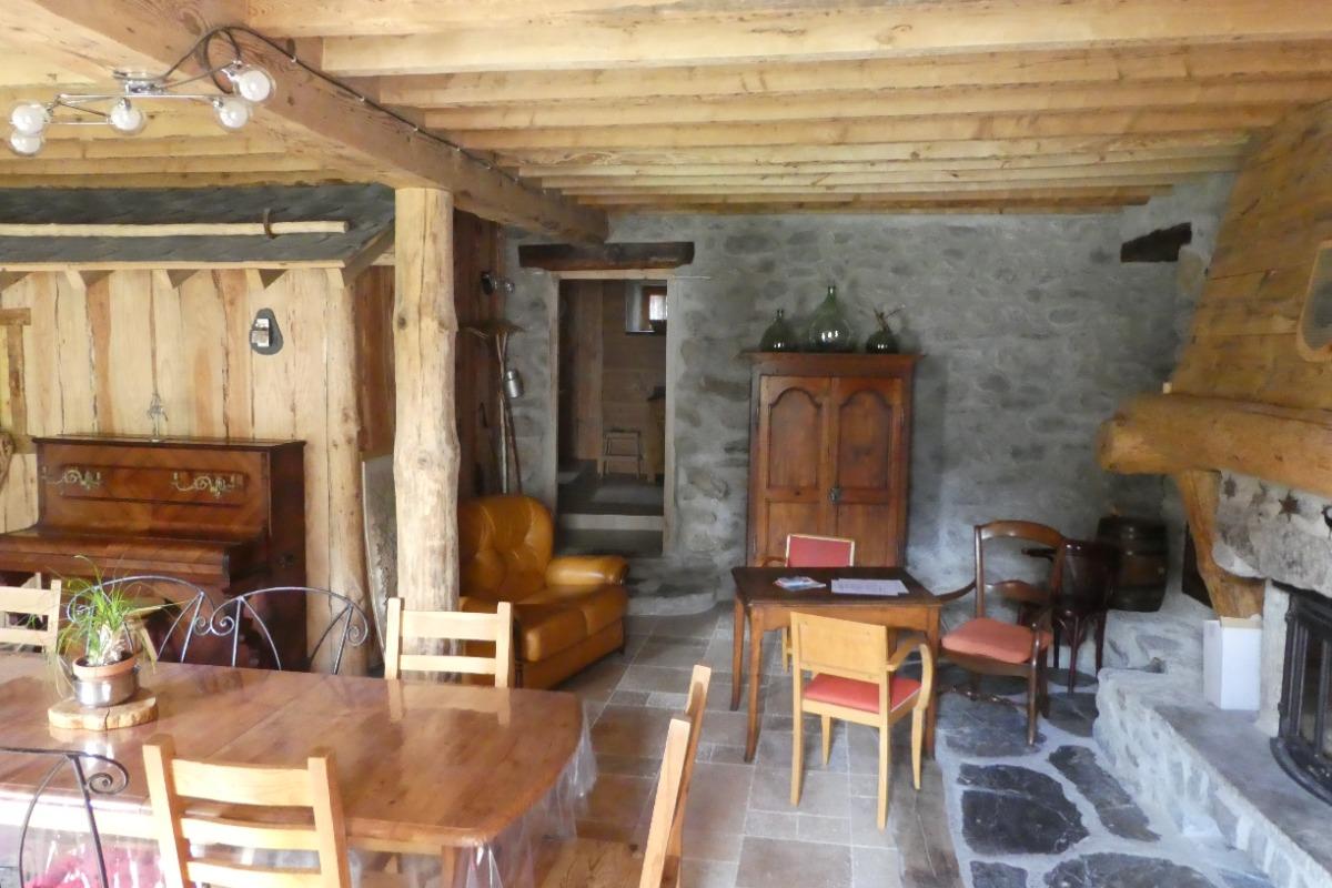 Rez-de-chaussée ouvert sur la cuisine - Location de vacances - Mérens-les-Vals