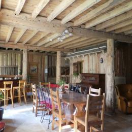Salle à manger salon rez-de-chaussée - Location de vacances - Mérens-les-Vals
