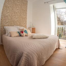 Espace repas / salon - Location de vacances - Ussat