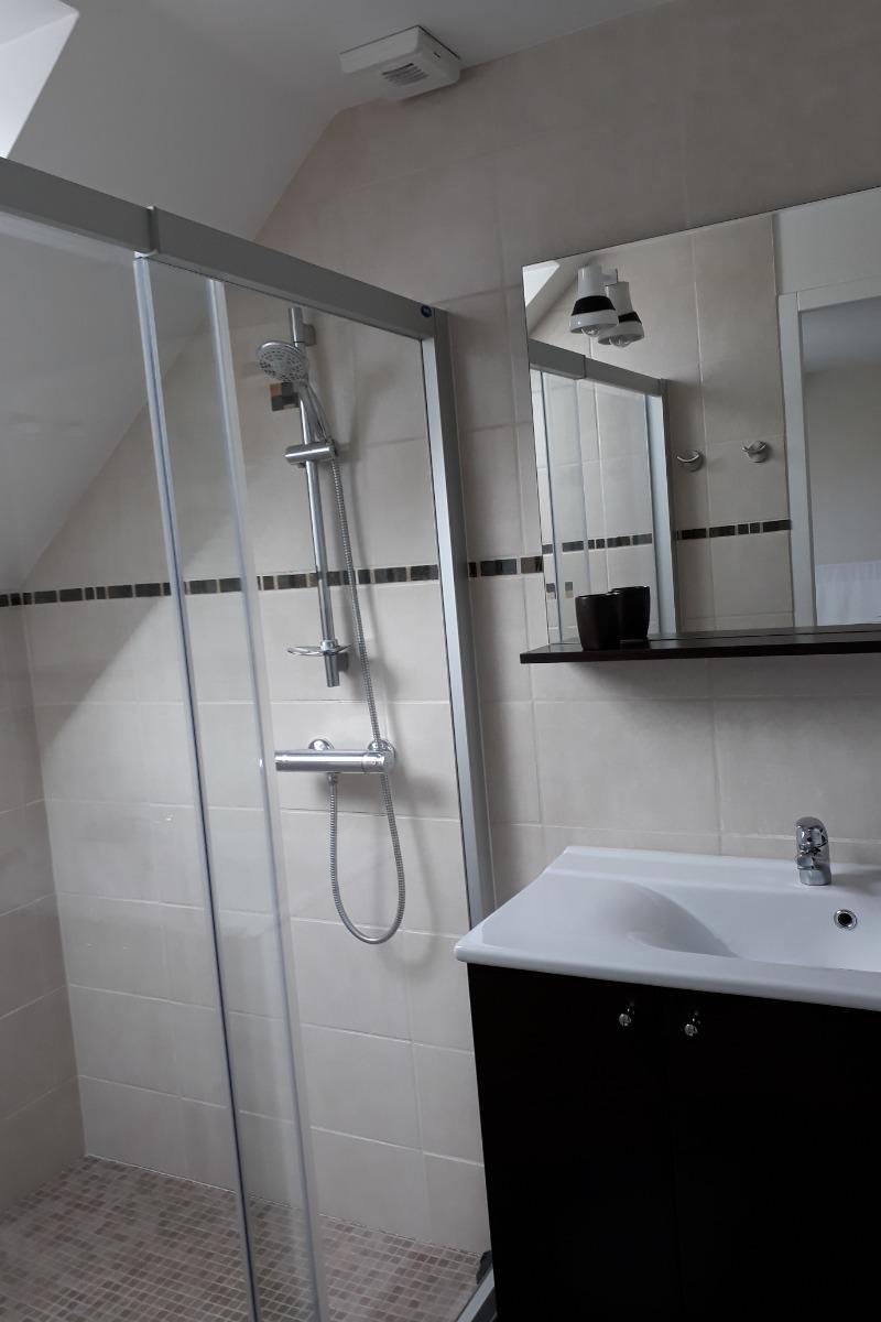 La grande douche - Chambre d'hôtes - Bavilliers