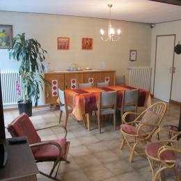 salle à manger et salon - Location de vacances - Savigny-sur-Orge