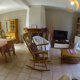 Le salon, tv avec le satellite  - Location de vacances - Champcueil