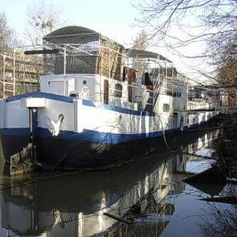 L'arrière de bateau, avec le studio - Location de vacances - ISSY-LES-MOULINEAUX