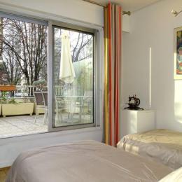 Chambre : 2 lits jumeaux de 90 pour accueillir confortablement 2 enfants ou 2 Adulte solo - Location de vacances - Courbevoie / Paris La Défense