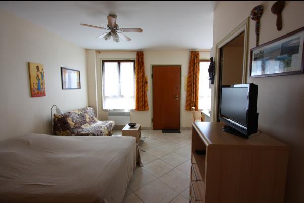 Gite La Malle Africaine intérieur - Location de vacances - Bagnolet
