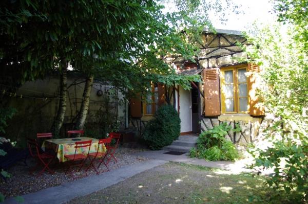 Le chalet des canotiers et son jardin privatif clos - Location de vacances - Joinville-le-Pont
