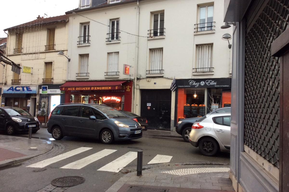Vue de la rue - Location de vacances - Enghien-les-Bains